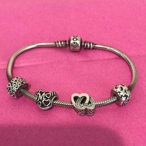 Pandora Bracelet with 2 Clips, 2 Charms Heart Mom